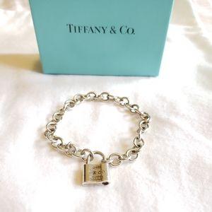 Tiffany & Co. Sterling silver Lock bracelet